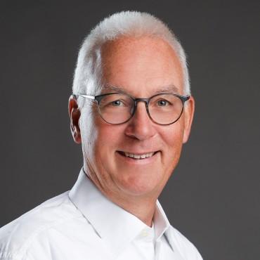 Dr. Gottfried Schreiber